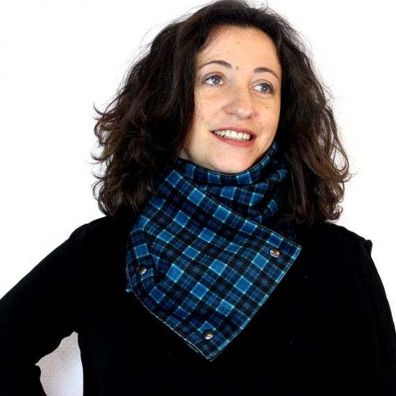 Écharpe en Velours Scottish bleu par Sophie, Couturière de Talent